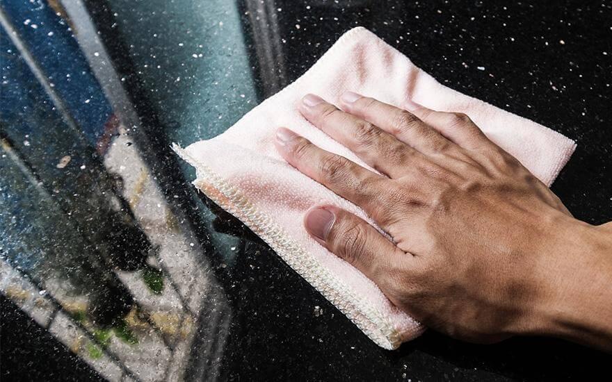Czyszczenie blatu marmurowego