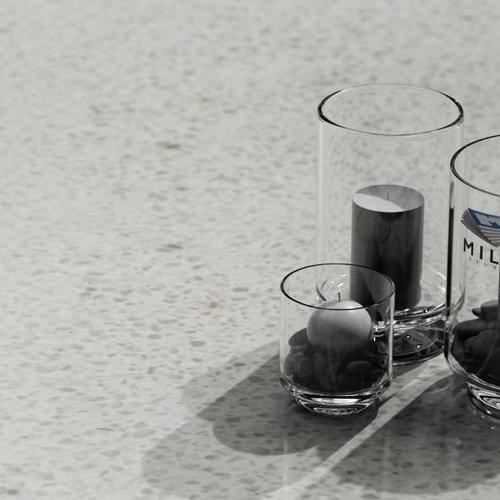AGLOMARMUR BIANCO GHIACIO - świeczki na blacie