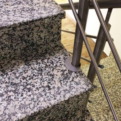 stopnie schodowe z kamienia