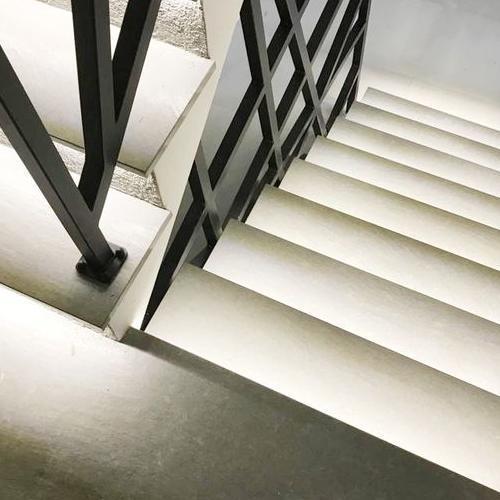 schody podświetlane